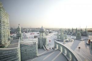 Stadt aus Eis beim Eisfestival in Harbin in China