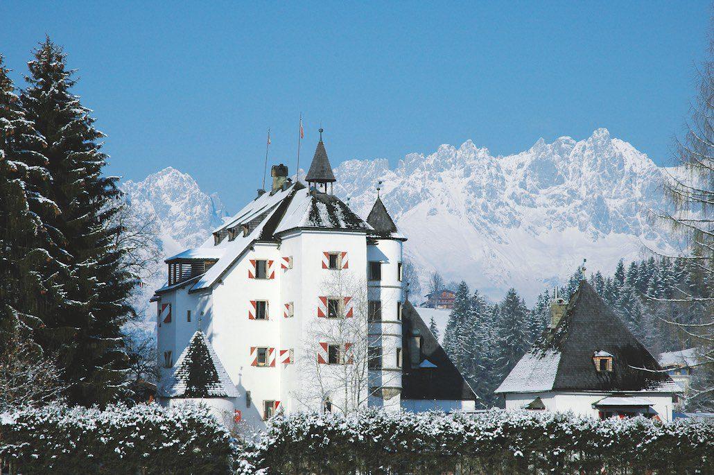 Schloss Muenichau Reith Aussenansicht