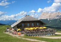 Berggasthof Pralongia_aussen Bild