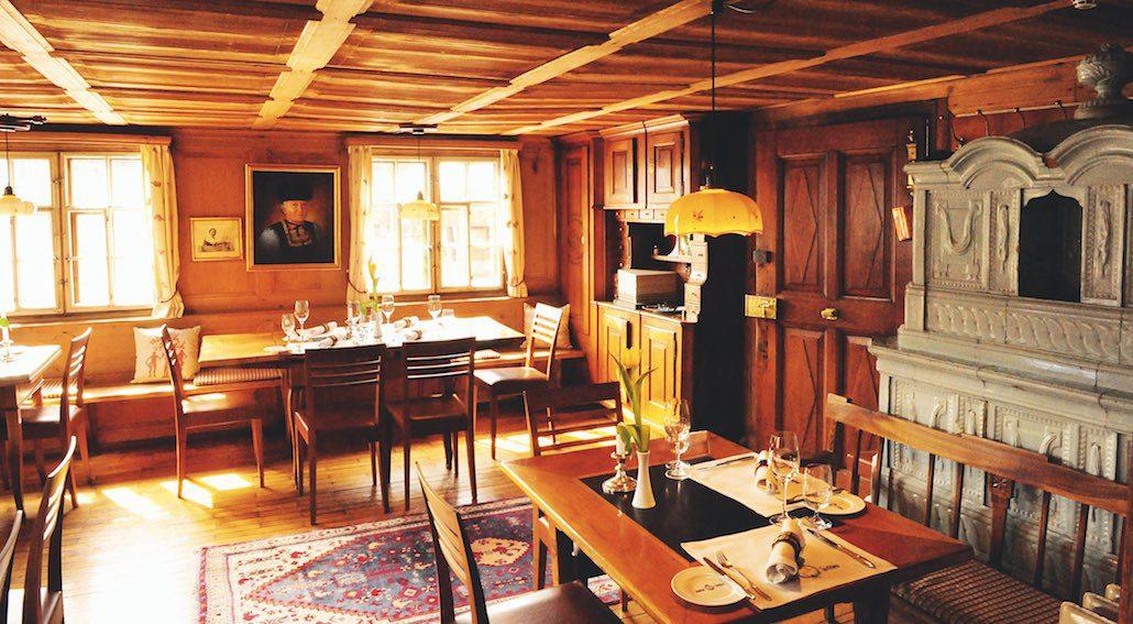 Hirschen Schwarzenberg room
